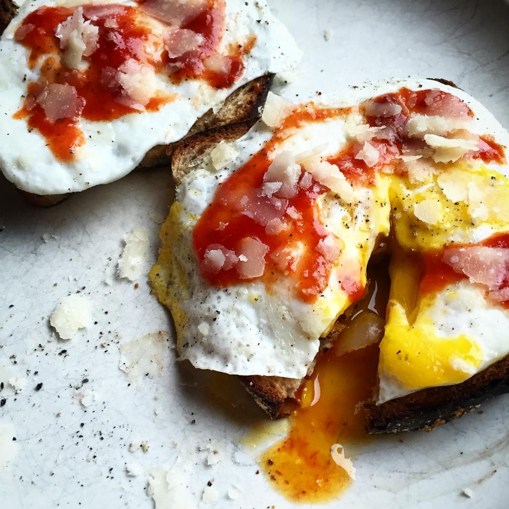 ägg med chilisås