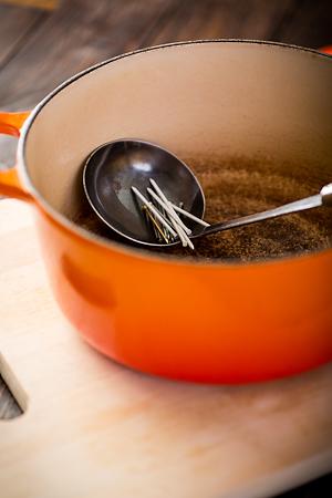 Koka soppa på en spik. foto: Torbjörn Lagerwall